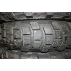 9.00R16 (255/100R16) Michelin XL New