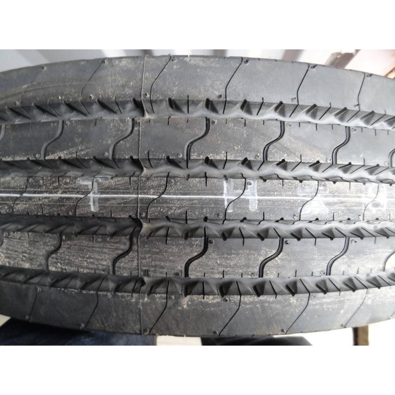 215/75R17.5 Dunlop SP351