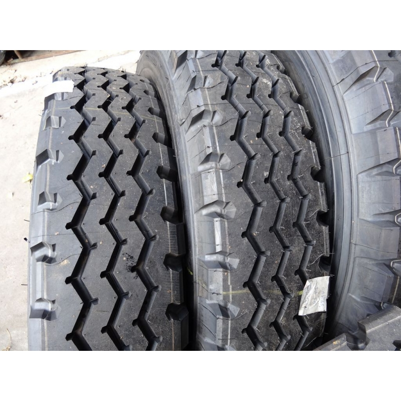 9.R22.5 Michelin XZY tire
