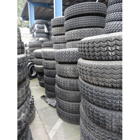 1200R20 Semperit/Michelin spikes used
