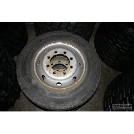 10R22.5 Michelin XT4 Used including wheel