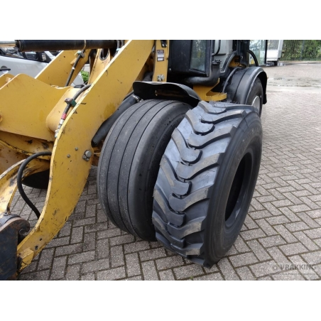 46x17.0R20 + 8 hole wheel for loaders