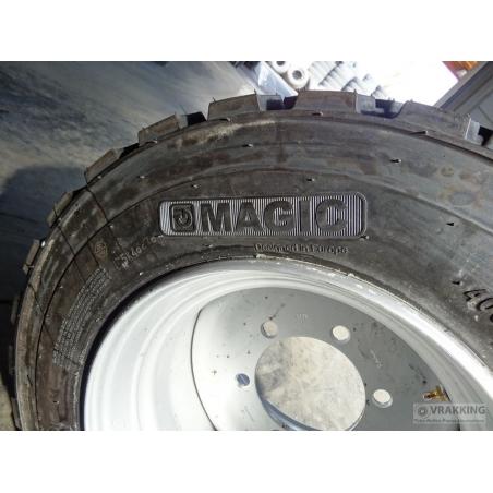 400/45L17.5 Magic tire complete on wheel