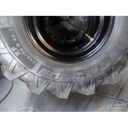 445/70R19.5 (18R19.5) Michelin XF tire