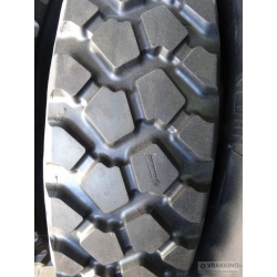11.00R16 Michelin XZL retread