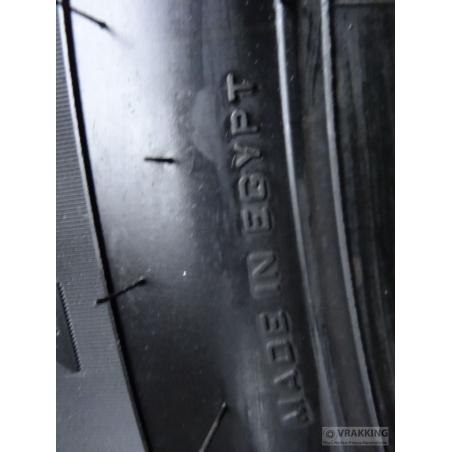 13R22.5 Pirelli FG01 M+S tyre