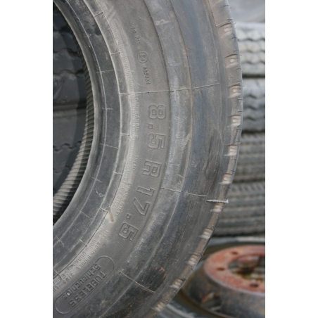 8.5R17.5 Continental RS415 tire