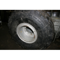 24R21 XS retread + wheel