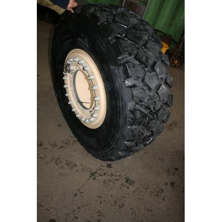 11x20 Hutchinson 10 hole Aluminium wheel offset 120