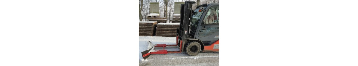Snowplough with tire rubber
